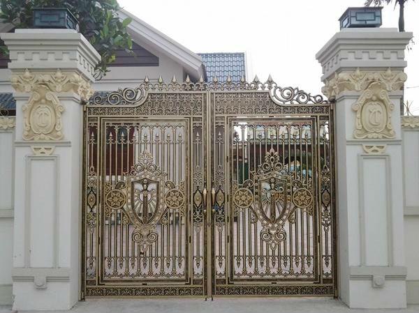 Nhôm hợp kim được sử dụng để làm cổng